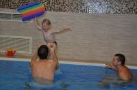 Baba, ovis úszás