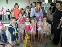 Arielbabauszoda úszóversenyen a kis csapat